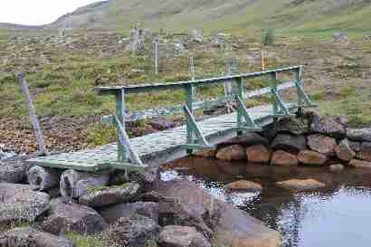 Walking bridge near Gljúfrastein over Kaldakvísl