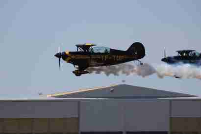 Two Pitts in aerobatic