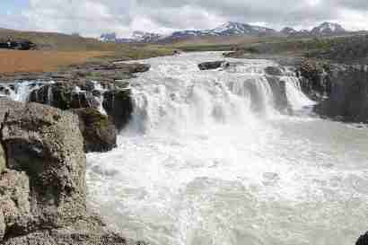 Gýgjarfoss in Jökulkvísl and Kerlingarfjöll